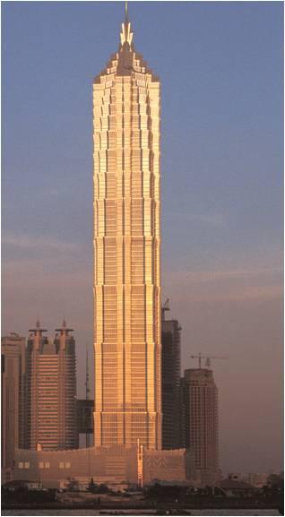 金茂大厦以其独特的建筑造型,科技含量和文化品味,先后荣获